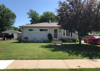 Foreclosed Home in South Milwaukee 53172 15TH AVE - Property ID: 4427045256