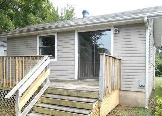 Foreclosed Home in Springfield 65803 W CHICAGO ST - Property ID: 4427265562