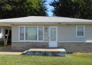 Foreclosed Home in Springfield 65802 W POPLAR ST - Property ID: 4427275638