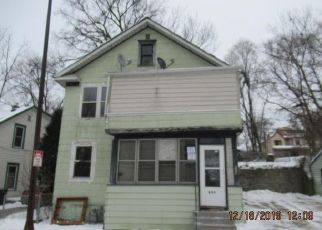 Foreclosed Home in Saint Paul 55107 STATE ST - Property ID: 4427319878