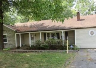 Foreclosed Home in Louisville 40219 WESTSIDE DR - Property ID: 4427356214
