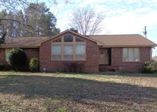 Foreclosed Home in Puryear 38251 COLLEGE ST - Property ID: 4427361926