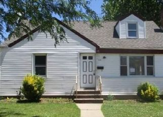 Foreclosed Home in Uniondale 11553 MANOR PKWY - Property ID: 4427502952