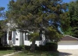 Foreclosed Home in Milwaukee 53209 W LAWN AVE - Property ID: 4427649670