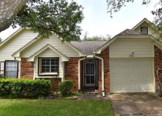Foreclosed Home in Pearland 77584 W COUNTRY GROVE CIR - Property ID: 4427898430