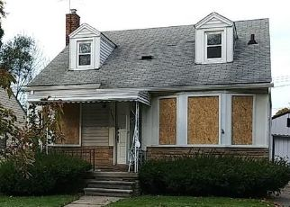 Foreclosed Home in Harper Woods 48225 KINGSVILLE ST - Property ID: 4427982972