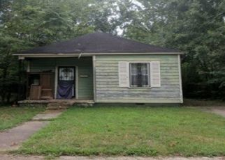 Foreclosed Home in Memphis 38108 OAKWOOD ST - Property ID: 4428317575