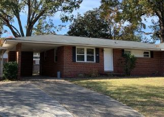 Foreclosed Home in North Charleston 29405 DELLWOOD AVE - Property ID: 4428360496