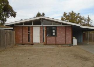 Foreclosed Home in Fresno 93726 N DREXEL AVE - Property ID: 4428471749