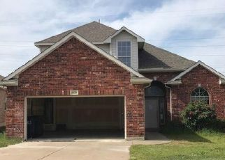 Foreclosed Home in Fort Worth 76179 BEACHVIEW LN - Property ID: 4428511151