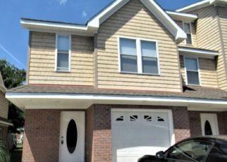 Foreclosed Home in Virginia Beach 23451 ARLYNN LN - Property ID: 4428679784