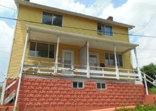 Foreclosed Home in Carnegie 15106 LOOKOUT ST - Property ID: 4428728391