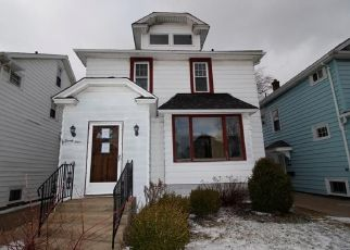 Foreclosed Home in Buffalo 14217 KENWOOD RD - Property ID: 4428977157