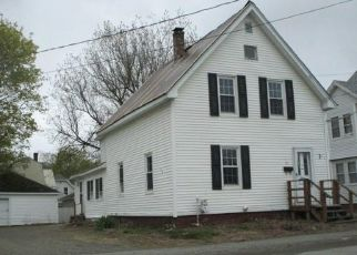 Foreclosed Home in Brewer 04412 PARKER ST - Property ID: 4429000823