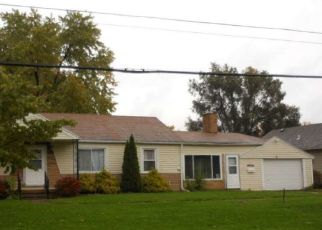 Foreclosed Home in Oregon 43616 CRESCEUS RD - Property ID: 4429388868