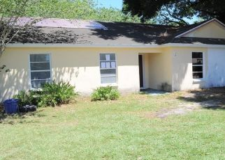 Foreclosed Home in Seffner 33584 ORANGE AVE - Property ID: 4429419515