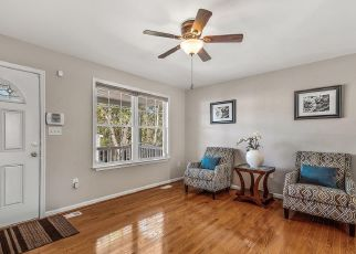 Foreclosed Home in Brooklyn 21225 ROBINWOOD RD - Property ID: 4429467699
