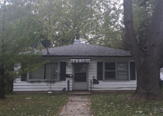 Foreclosed Home in Milwaukee 53218 N 55TH PL - Property ID: 4429590772