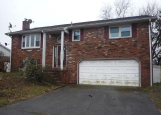 Foreclosed Home in Reading 19605 BEACH ST - Property ID: 4429669603