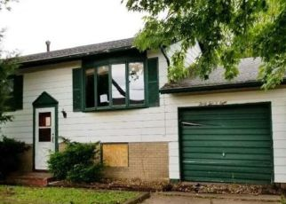 Foreclosed Home in Davenport 52807 EASTERN AVE - Property ID: 4430005528