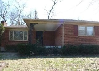 Foreclosed Home in Louisville 40216 ESTATE DR - Property ID: 4430123336