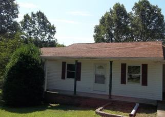 Foreclosed Home in Dickson 37055 FIRE TOWER RD - Property ID: 4430132538