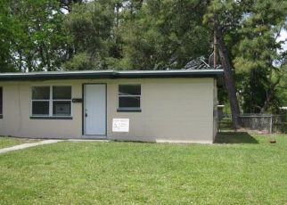 Foreclosed Home in Jacksonville 32210 NEWBOLT CT - Property ID: 4430162762