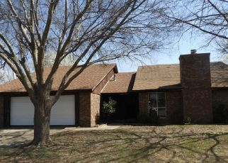 Foreclosed Home in Edmond 73013 OSAGE DR - Property ID: 4430519258