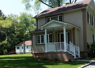 Foreclosed Home in Lincoln Park 07035 RYERSON RD - Property ID: 4430699720
