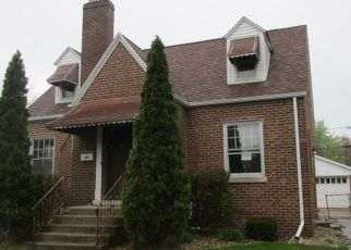 Foreclosed Home in Lansing 60438 N SCHULTZ DR - Property ID: 4430848180