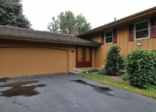 Foreclosed Home in Burnsville 55337 KRESTWOOD DR - Property ID: 4431111406