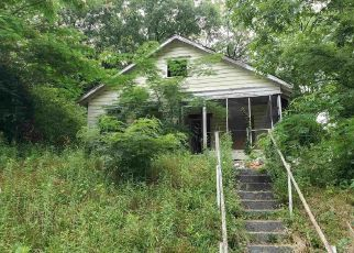 Foreclosed Home in Atlanta 30318 CENTER HILL AVE NW - Property ID: 4431156968