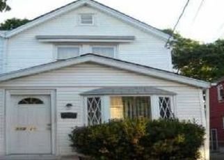 Foreclosed Home in Saint Albans 11412 202ND ST - Property ID: 4431210839