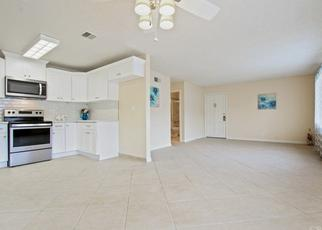 Foreclosed Home in Tarzana 91356 COLLINS ST - Property ID: 4431253757