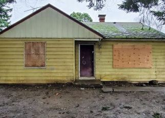 Foreclosed Home in Portland 97236 SE POWELL BLVD - Property ID: 4431268645