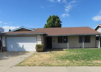 Foreclosed Home in Manteca 95336 PARKWOOD DR - Property ID: 4431279140