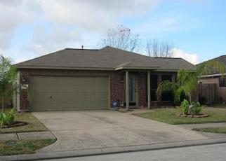 Foreclosed Home in Baytown 77521 RED CEDAR TRL - Property ID: 4431299749