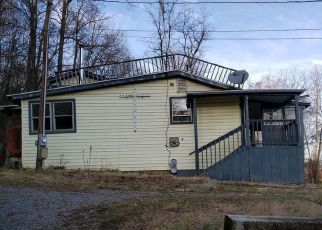 Foreclosed Home in Berkeley Springs 25411 JOHN ST - Property ID: 4431436833