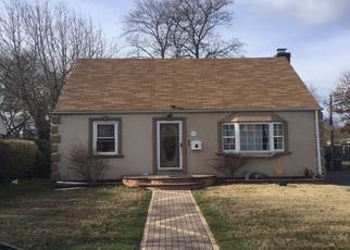 Foreclosed Home in Uniondale 11553 WAKE ST - Property ID: 4431550704
