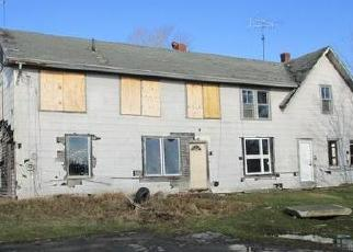 Foreclosed Home in Newport 04953 SOUTH ST - Property ID: 4431563396