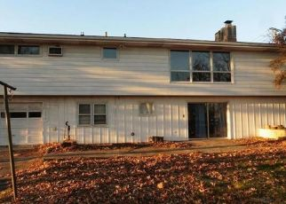 Foreclosed Home in Harrisburg 17112 DEVONSHIRE HEIGHTS RD - Property ID: 4431662377