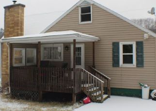 Foreclosed Home in Woodland 16881 SPRUCE ST - Property ID: 4431673775