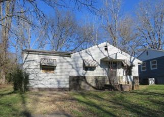 Foreclosed Home in Knoxville 37920 PEACHTREE ST - Property ID: 4431925156
