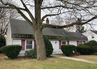 Foreclosed Home in Levittown 11756 CLIFF LN - Property ID: 4431931741