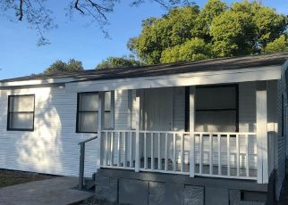 Foreclosed Home in Orlando 32811 AARON AVE - Property ID: 4432044737