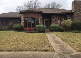 Foreclosed Home in Garland 75041 COUNTRY CLUB PKWY - Property ID: 4432302705