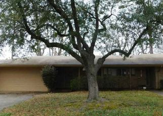 Foreclosed Home in Gladewater 75647 MUSTANG DR - Property ID: 4432393362