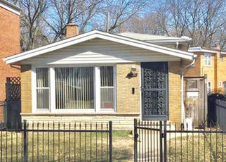 Foreclosed Home in Chicago 60617 S VAN VLISSINGEN RD - Property ID: 4432419189