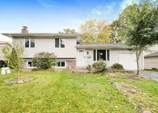 Foreclosed Home in Oak Forest 60452 167TH ST - Property ID: 4432425328