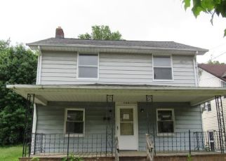 Foreclosed Home in Akron 44320 WHITTIER AVE - Property ID: 4432446349